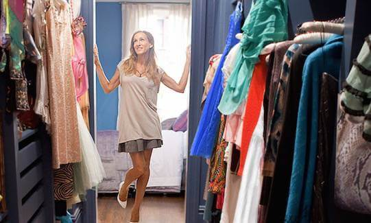 1426612691-carrie-bradshaw-spring-cleaning (1)