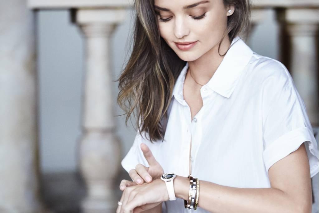 FYLE-Swarovski-Activity-Tracking-Jewelry