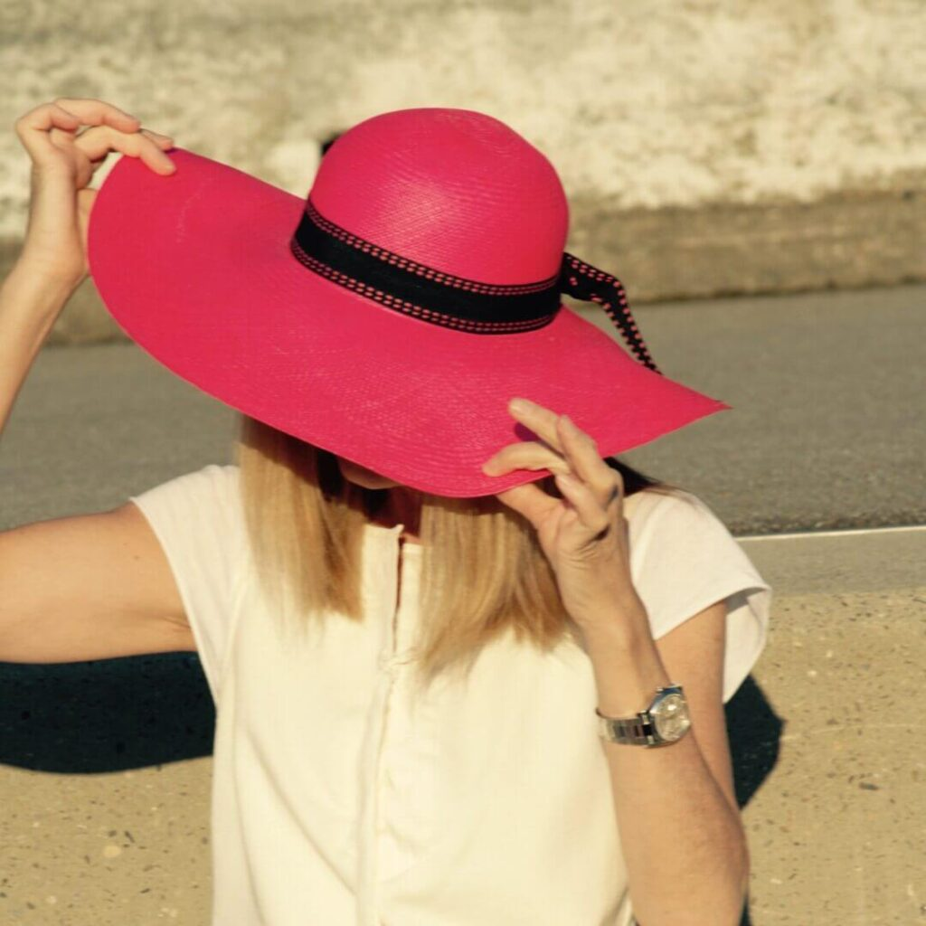 3 simple style tips how to wear your summer hat! - funkyforty