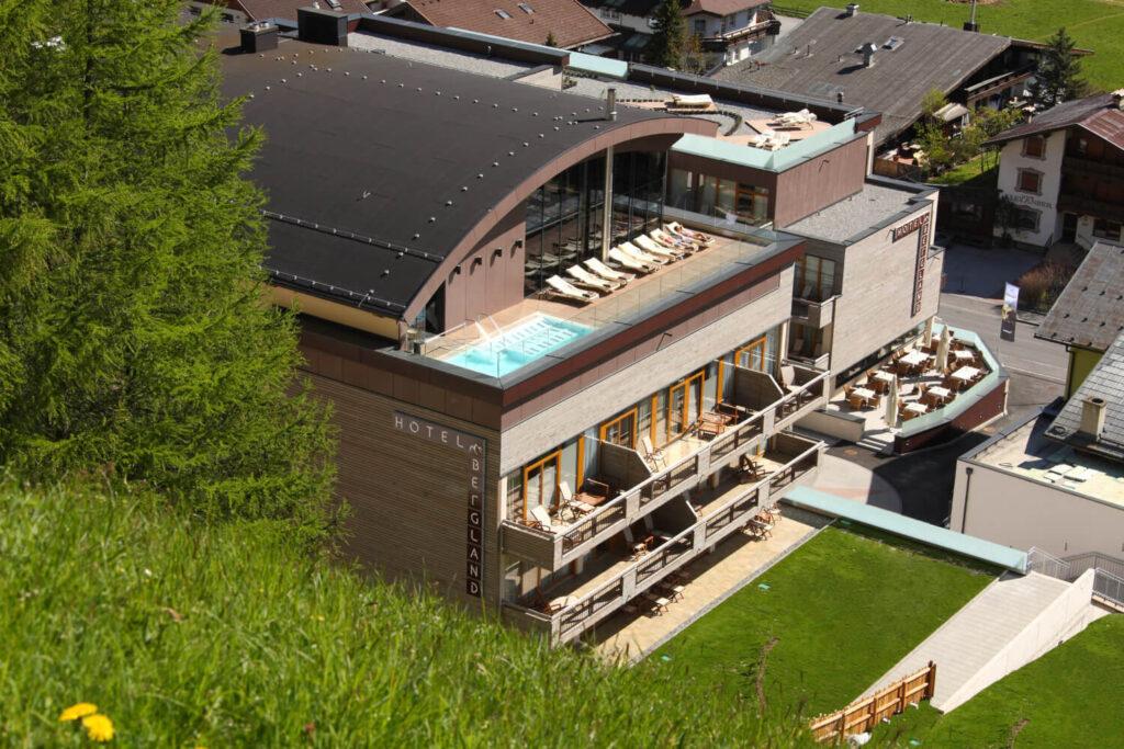Bergland Hotel Aussenansicht_Sommer ©Anton Klocker www.kdgs.at