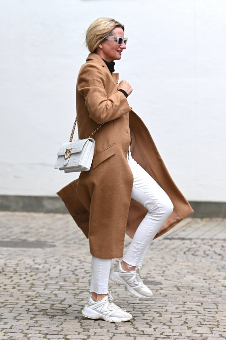This Stylish Colour Combination for Winter Never Dates