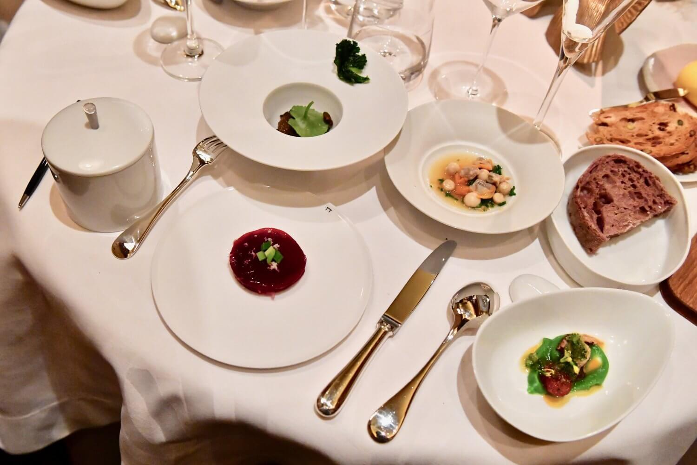 Luxury Hideaway in Paris with Amazing Pierre Gagnaire 3 Michelin Star Restaurant on it's Doorstep