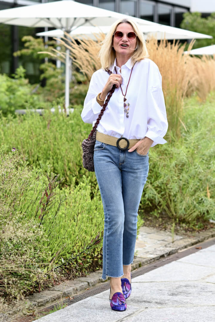 5 Ways to style 1 Oversized White Shirt and Pair of Jeans