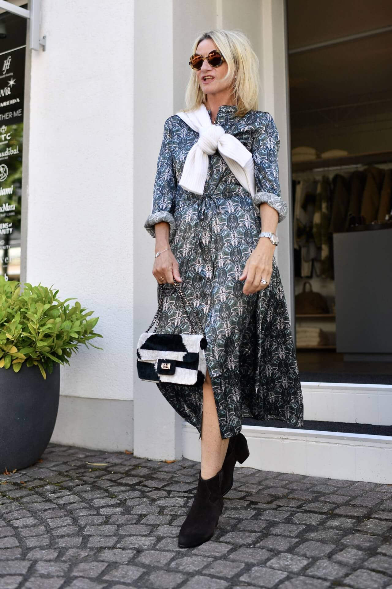 Pre Fall 2021 - 1 Dress 5 Ways to Style